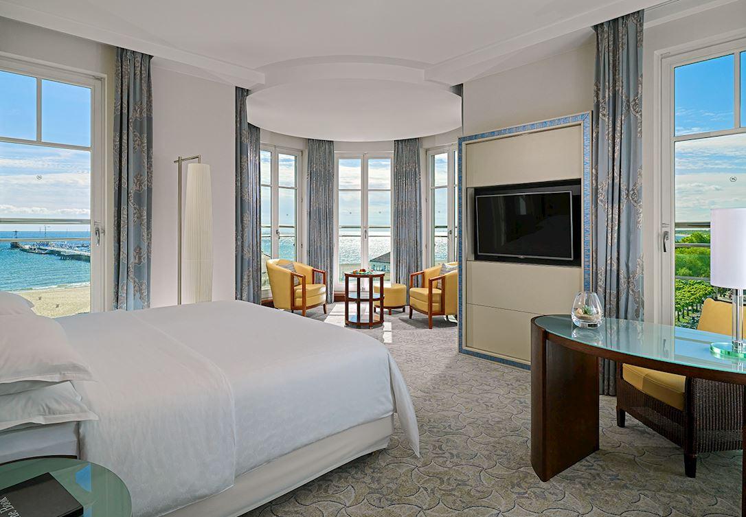 Apartament z rotundą i widokiem na morze