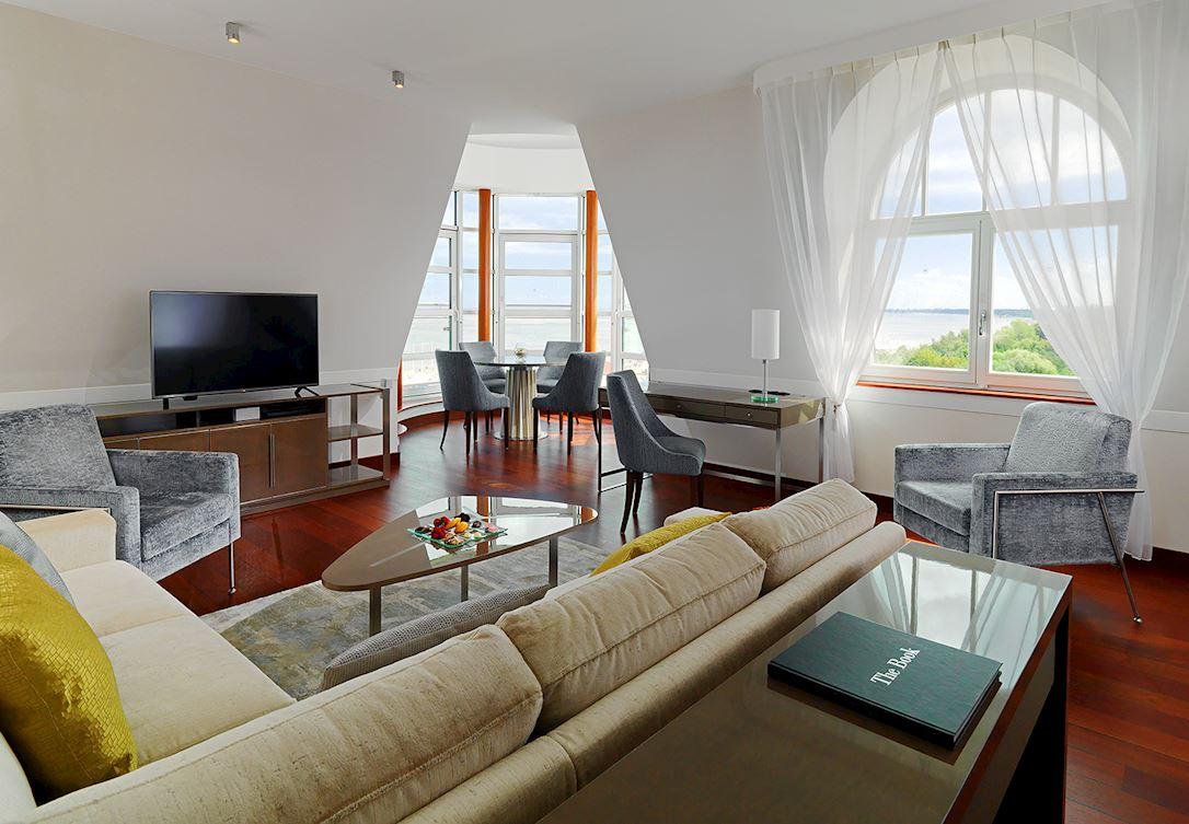 Apartament z rotundą i dwiema sypialniami